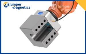 APEM-robotic-arm-magnetic-gripper3